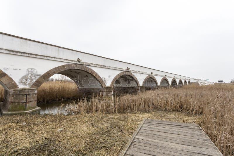 Neun-durchlöcherte Brücke in Ungarn lizenzfreie stockfotografie