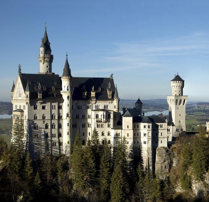 Download Neuschwanstein photo stock. Image du landmark, conte, château - 8670206