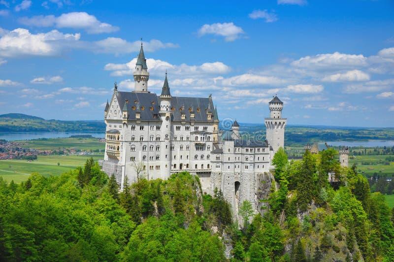 Neuschwanstein kasztel przy latem, Bavaria, Niemcy obraz stock
