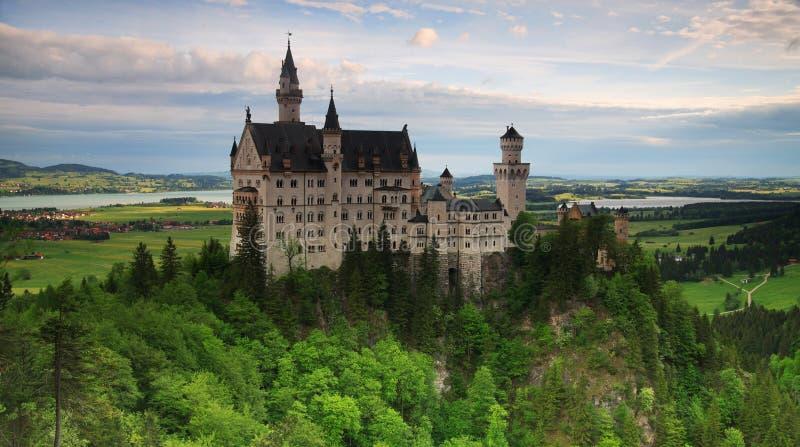 Neuschwanstein Schloss-Panorama lizenzfreies stockbild