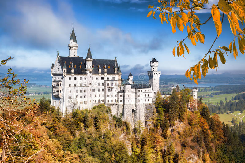 Neuschwanstein slott i Bayern, Tyskland arkivbild