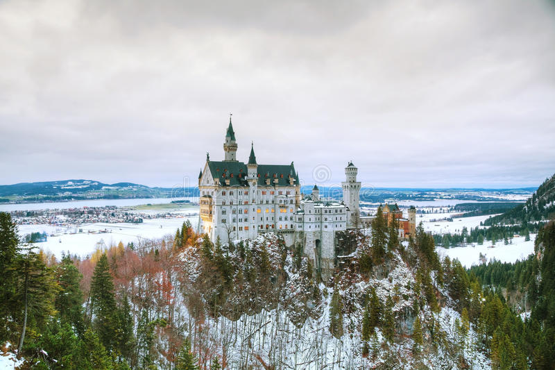 Neuschwanstein slott i Bayern, Tyskland royaltyfri foto