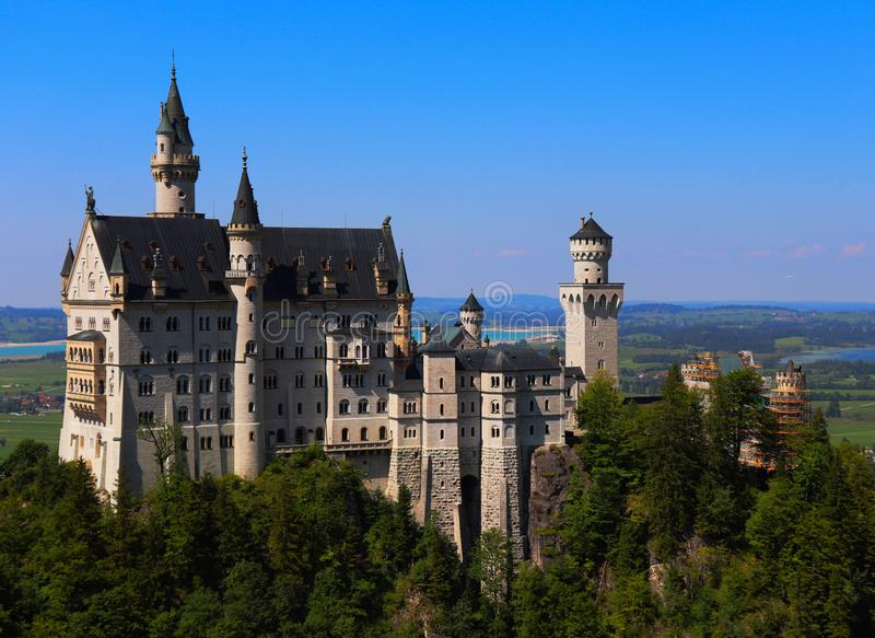 Neuschwanstein slott, sagaslotten, i sydliga Germay royaltyfria bilder