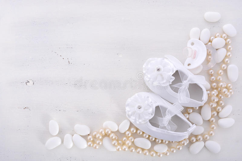 Neutraler weißer Hintergrund der Babyparty stockbilder