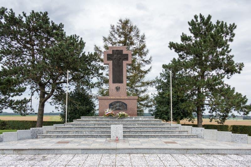 NEUVILLE SAINT-VAAST, FRANCE/EUROPE - SEPTEMBER 12 : La Targette Polish Cemetery near Neuville Saint-Vaast in France on September stock photography