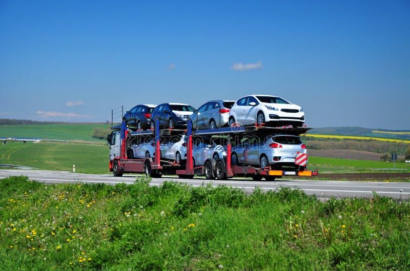 Neuwagenexport stockfotos