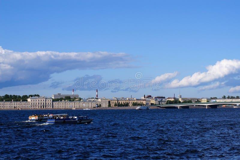 Neva στη Αγία Πετρούπολη στοκ εικόνες
