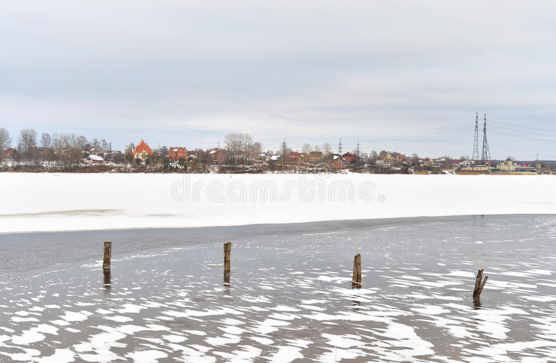 Neva River på utkanten av St Petersburg royaltyfri bild