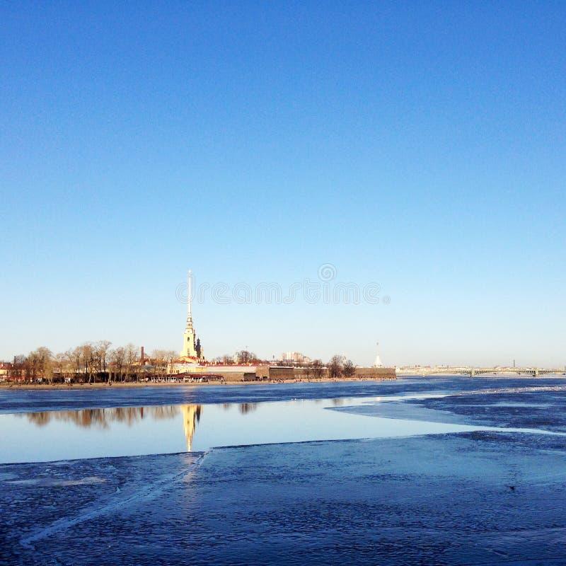 Neva y Peter y Paul Fortress fotos de archivo