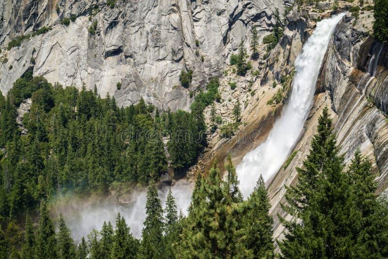 Nevada Fall Yosemite nationalpark, Kalifornien fotografering för bildbyråer