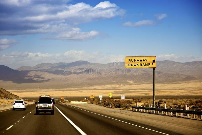 Nevada huvudväg USA royaltyfri foto