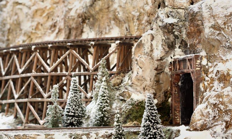 Download Nevado Hillisde foto de archivo. Imagen de túnel, tren - 7275768