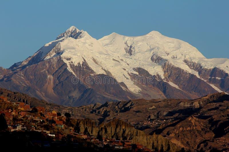 Nevado Illimani stock afbeelding