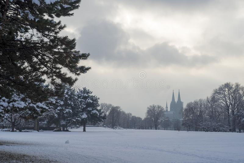 Neve in città di Colonia, Germania fotografia stock
