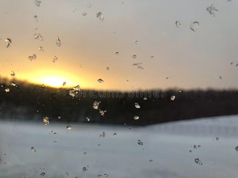 Neve con il tramonto fotografie stock libere da diritti