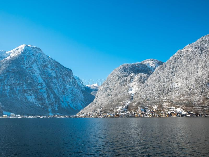 Neve da estação do inverno do moutain dos apls da paisagem de Hallstatt Áustria imagens de stock royalty free