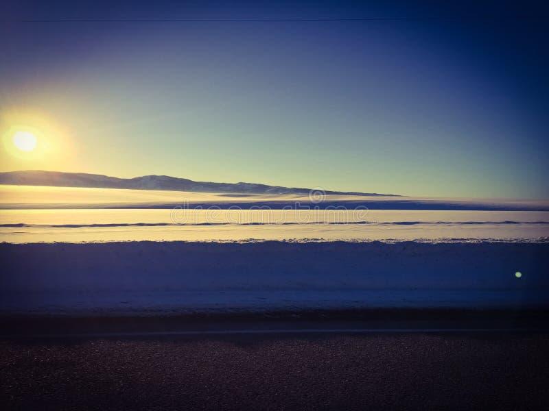 A neve deposita o vale da cisne imagens de stock