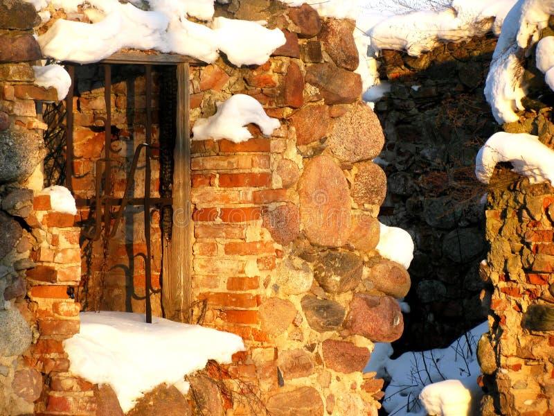 Neve Nas Ruínas Foto de Stock Royalty Free