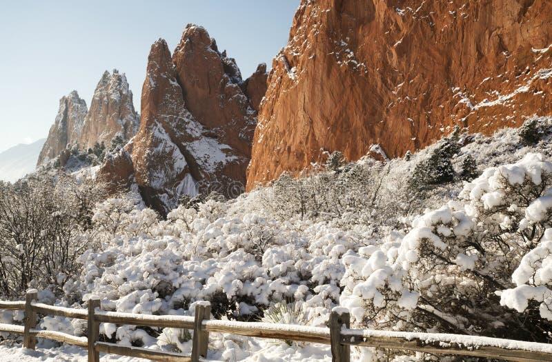Neve no jardim dos deuses fotografia de stock