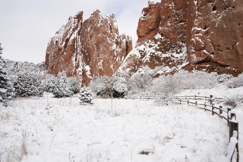 Neve no jardim dos deuses imagens de stock royalty free