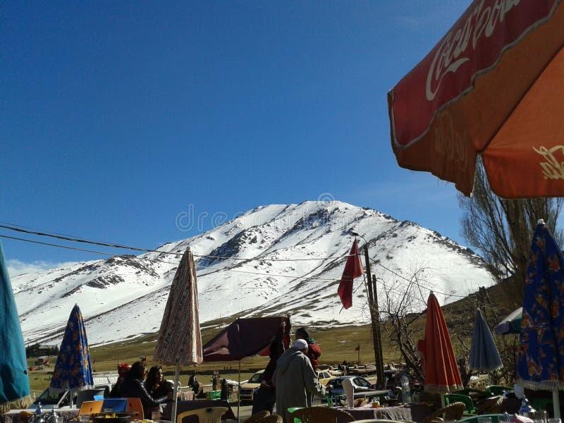 A neve oukaymden dentro c4marraquexe Marrocos imagens de stock