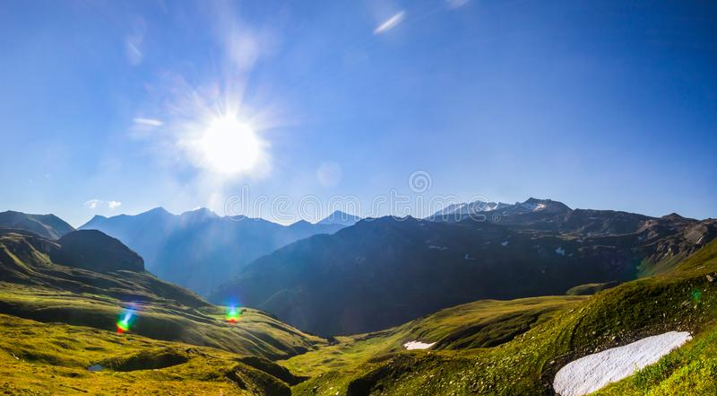 A neve permanece em Tauern alto imagens de stock