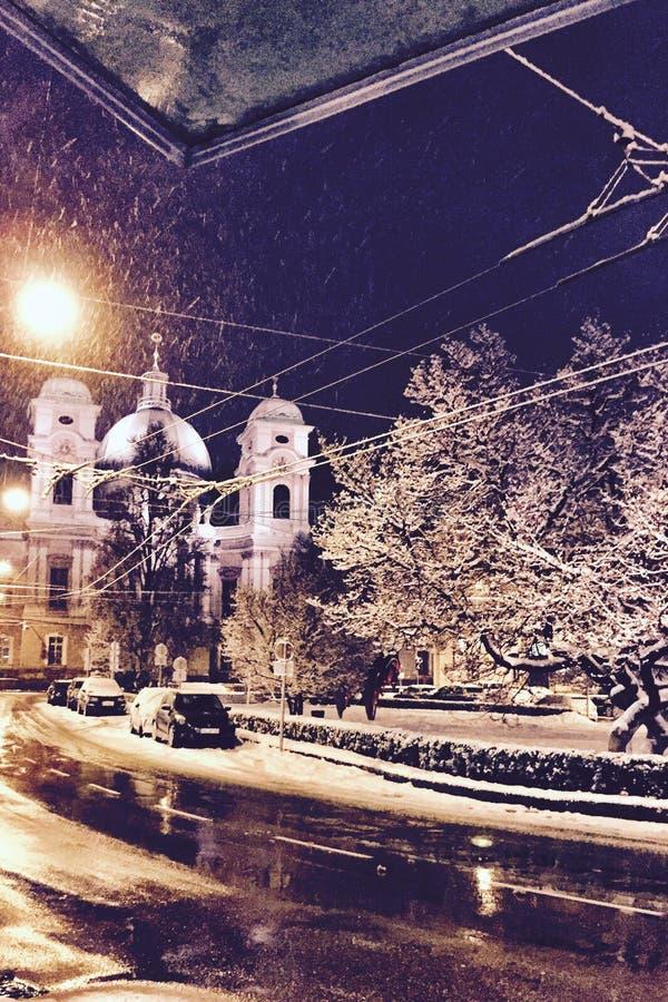 Neve piena della chiesa immagini stock libere da diritti