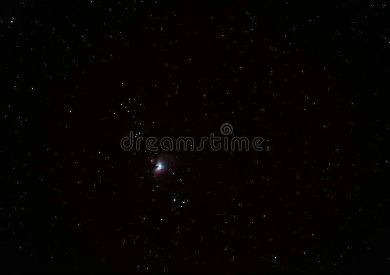 Nevel m42 in de constellatie Orion onder de heldere sterren royalty-vrije stock afbeeldingen