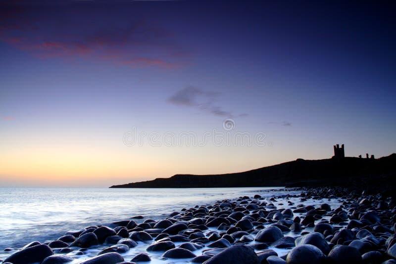 Nevelige zonsopgang stock afbeeldingen