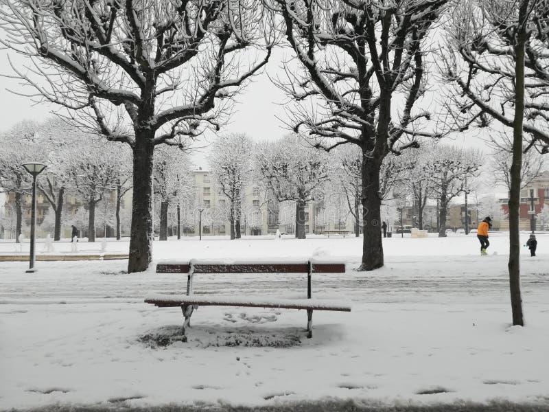 Nevicando a Reims fotografia stock