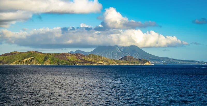 Nevis karibisk ö, panorama- landskap fotografering för bildbyråer