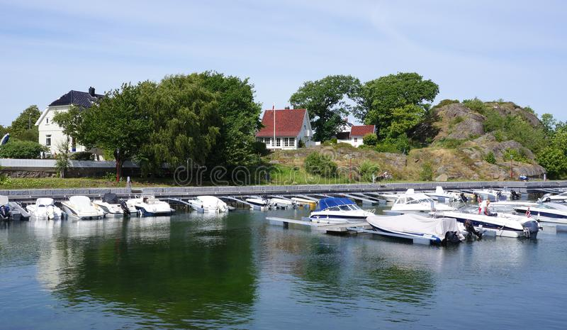 Nevlunghavn村庄,拉尔维克自治市,挪威 库存照片