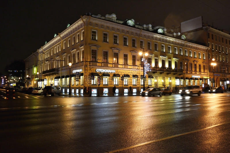 nevsky νύχτα Πετρούπολη prospekt ST στοκ φωτογραφία