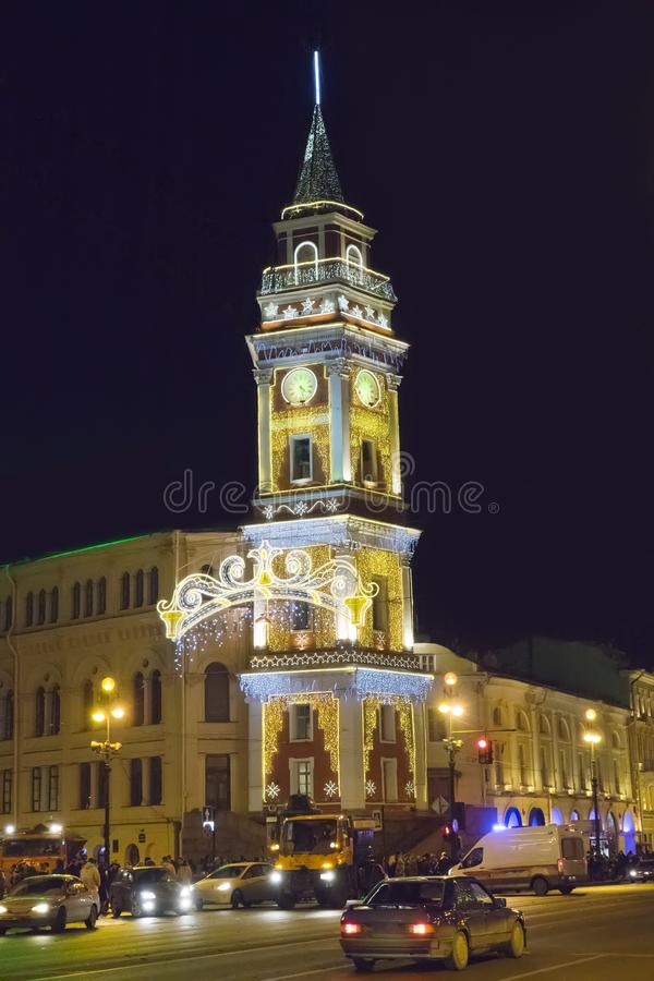 Nevsky aleja w Bożenarodzeniowej dekoraci St Petersburg Rosja zdjęcie royalty free