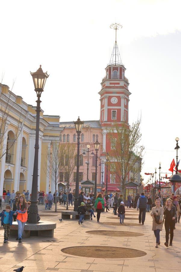 Nevsky utsikt p? Victory Day royaltyfria foton