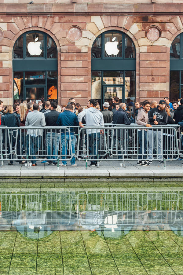 New Apple Store product launch Queue stock image