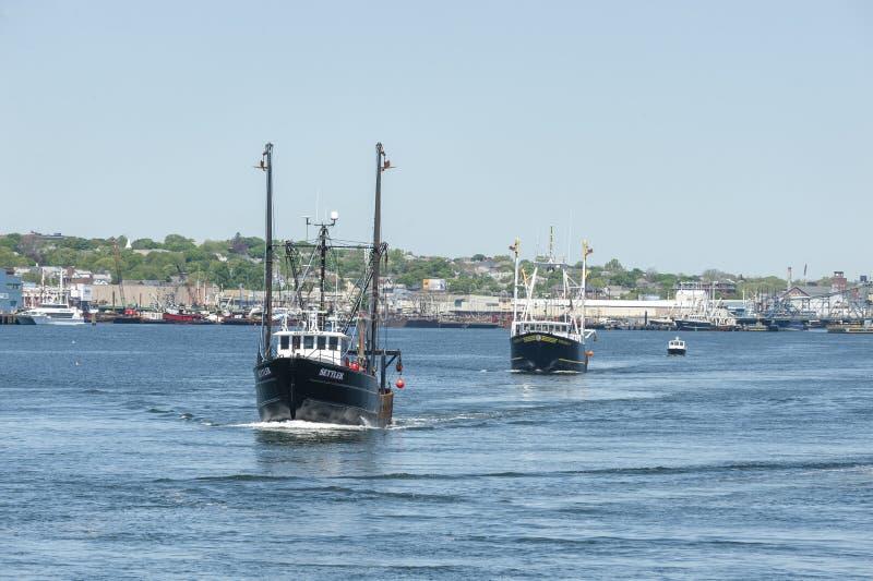 New Bedford för Scallopers nybyggare- och Norsemanwirh strand i b arkivfoto