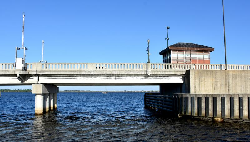 New Bern Draw Bridge, NC royaltyfri bild