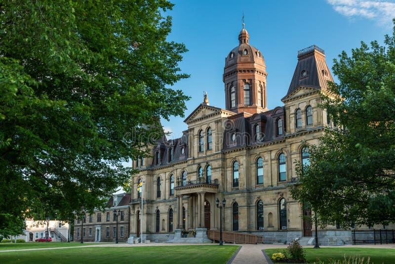 New Brunswick lagstiftnings- byggnad royaltyfri bild
