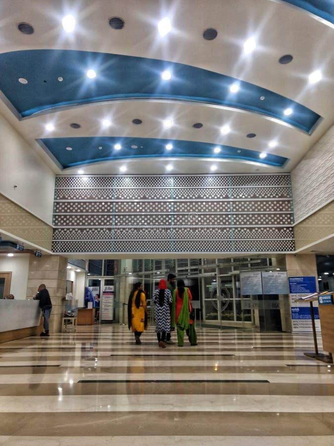 New Delhi, India - Maart 14,2019: binnenmening van Rajiv Gandhi Cancer Institute & Onderzoekscentrum | Het ziekenhuis stock fotografie