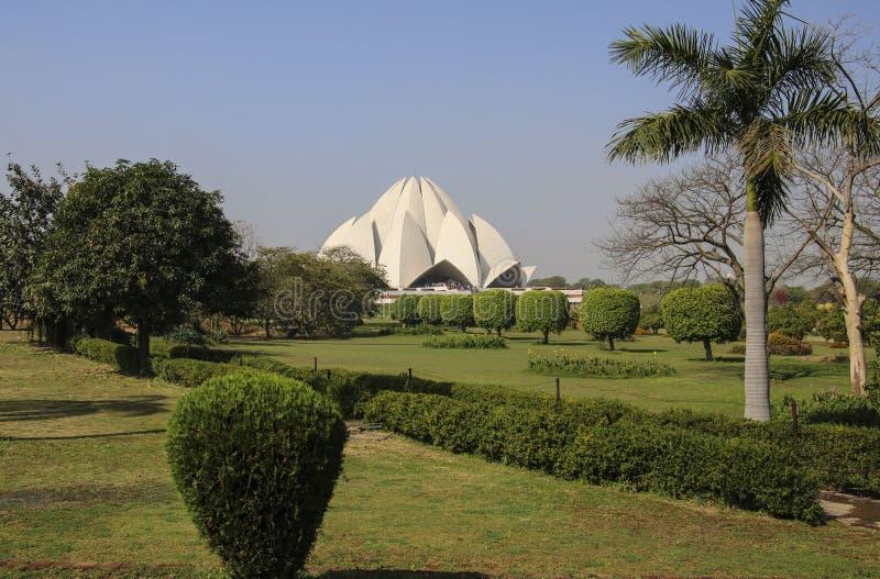 NEW DELHI, INDIA - MAART 17, 2017: Lotus Temple Bahai House van Verering, New Delhi, India stock fotografie