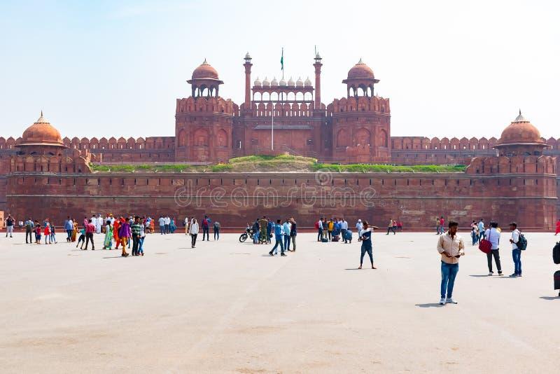 New Delhi Indien, Mars 30 2019 - det röda fortet en UNESCOvärldsarv som tjänade som som uppehållet av Mughalen royaltyfria bilder