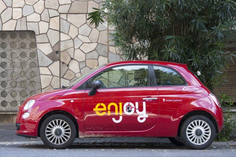 New Fiat 500 enjoy marked (carsharing) royalty free stock photography