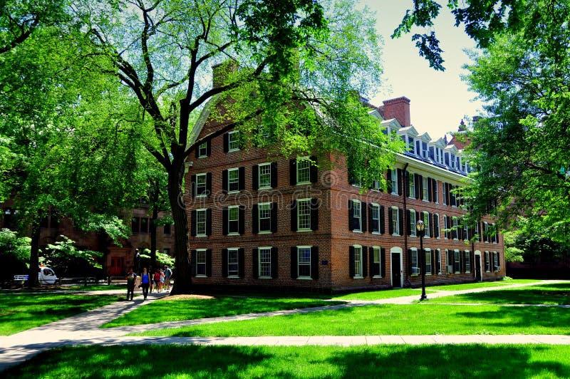 New Haven, CT: Connecticut 1750 Pasillo en Yale University imagenes de archivo