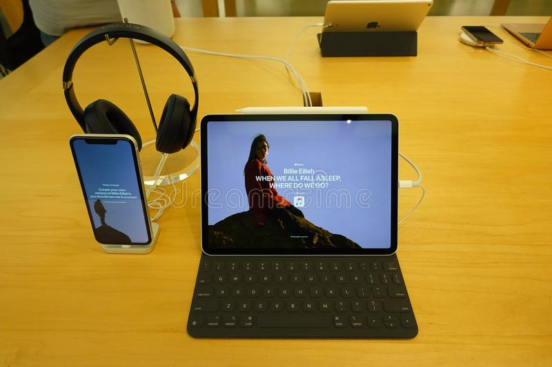 The new iPad Pro with Apple Pencil, Apple keyboard, Beat Headphones and iPhone X. Orlando,FL/USA-8/27/19: The new iPad Pro with Apple Pencil, Apple keyboard stock images