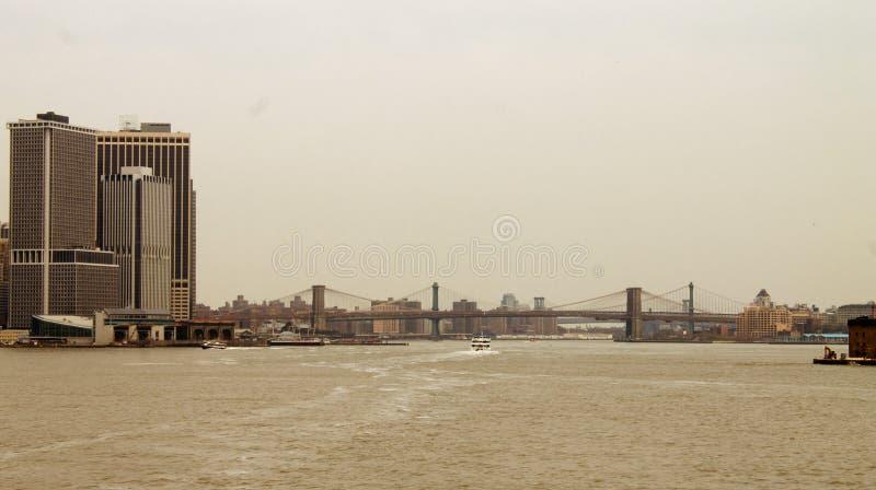 New-Jersey Skylinelandschaft in USA, Nachmittag mit Sonnenlicht lizenzfreies stockbild