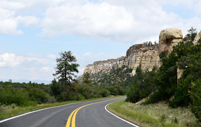 New México, área nacional de la protección del EL Malpais: Los estrechos imagenes de archivo