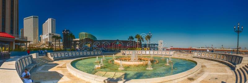 NEW ORLEANS - FEBRERO DE 2016: Vista panorámica de la plaza española encendido imagenes de archivo