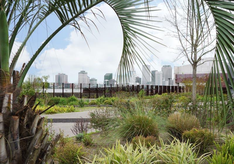 New Orleans horisontsikt från Crescent Park fotografering för bildbyråer