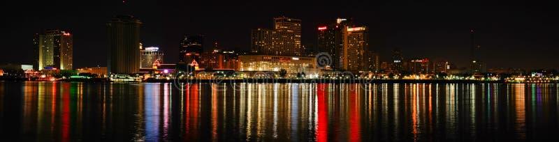 New Orleans - Kleurrijke Horizon bij Nacht stock foto's